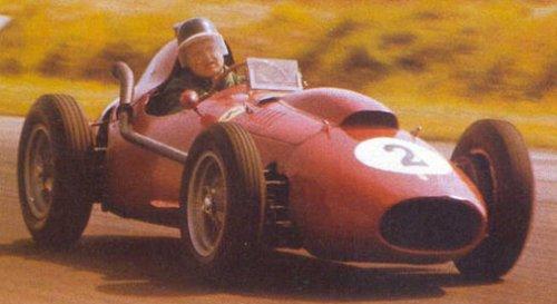 Первая позиция на старте.  1958 - Mike Hawthorn (Ferrari Dino 246...